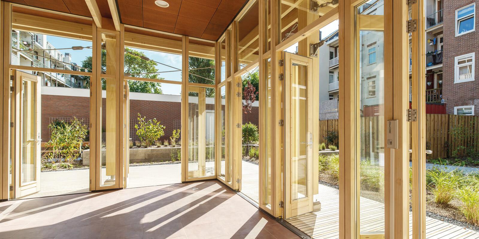 Accoya trä för dörrar fönster fasad och altandäck